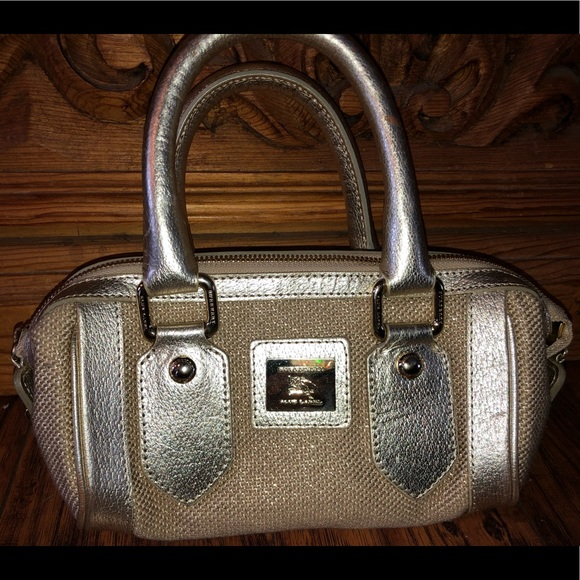 Burberry Handbags - Authentic Burberry rattan leather gold satchel bag